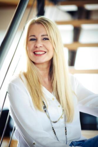 Esther Gebhard aus H.